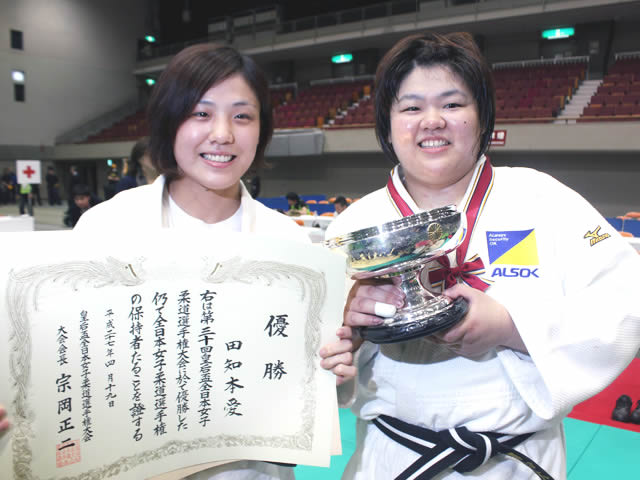 田知本遥選手と田知本愛選手 (出典:http://www.judo-ch.jp/)
