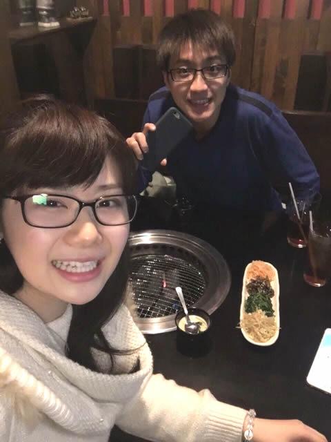 福原愛 江宏傑 仲良く焼肉を食べる画像